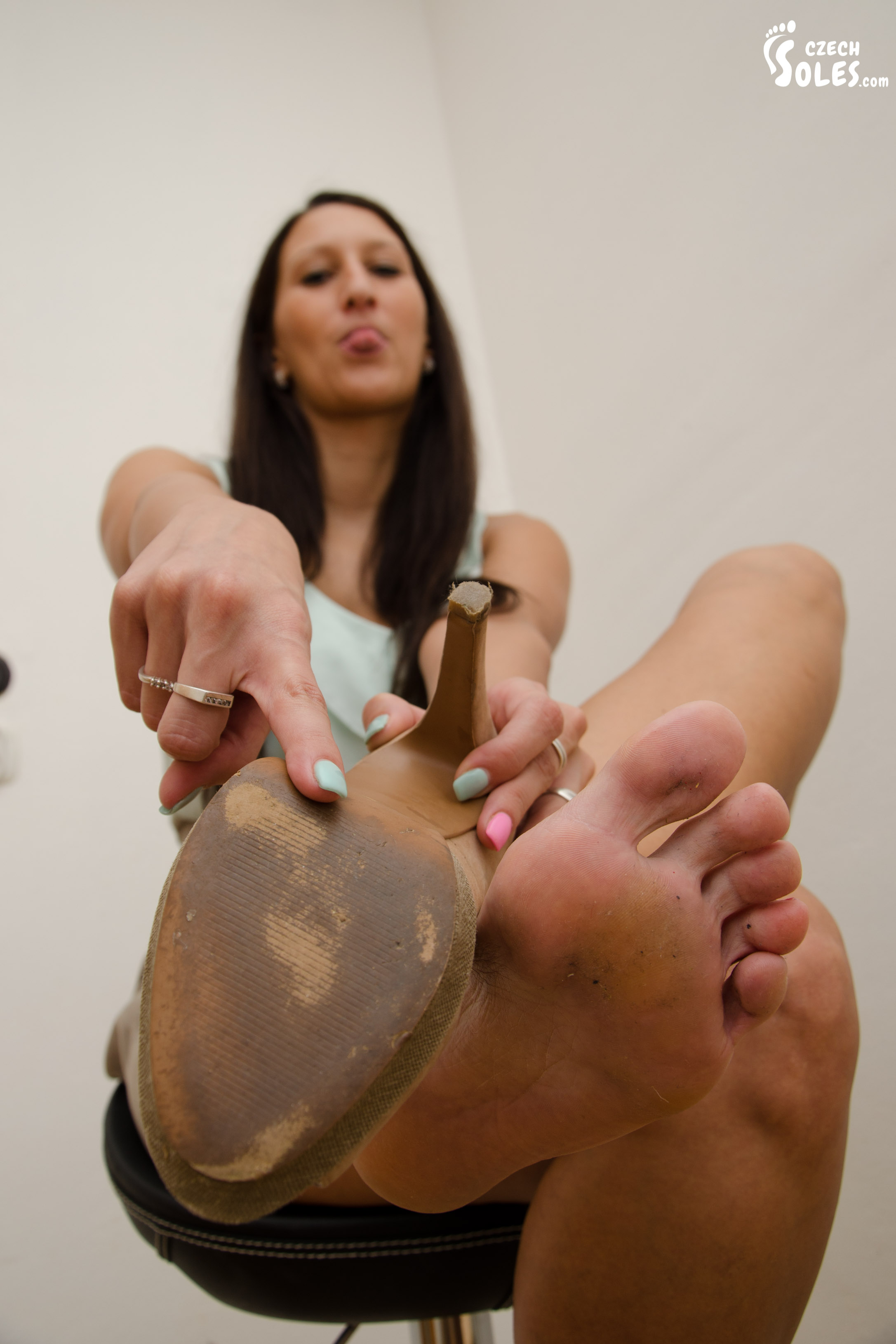 Young girl worship older fat feet 1